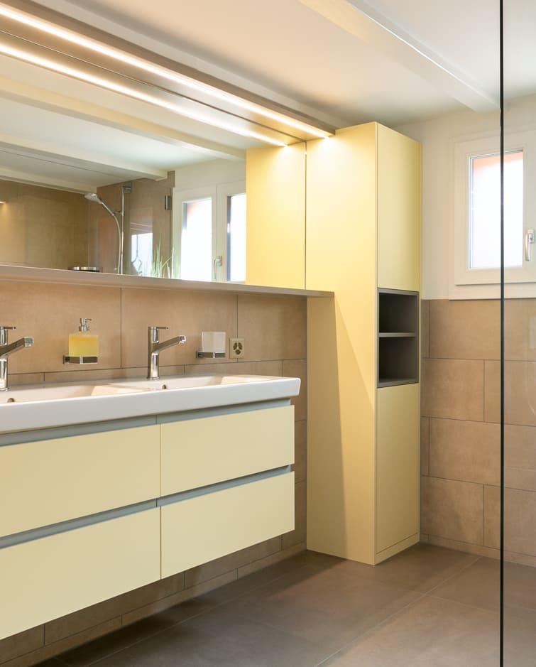 Grosses Bad nach Umbau Gyger Küchen GmbH