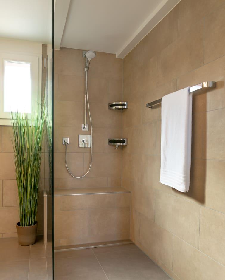 Neue Dusche nach Umbau Gyger Küchen GmbH