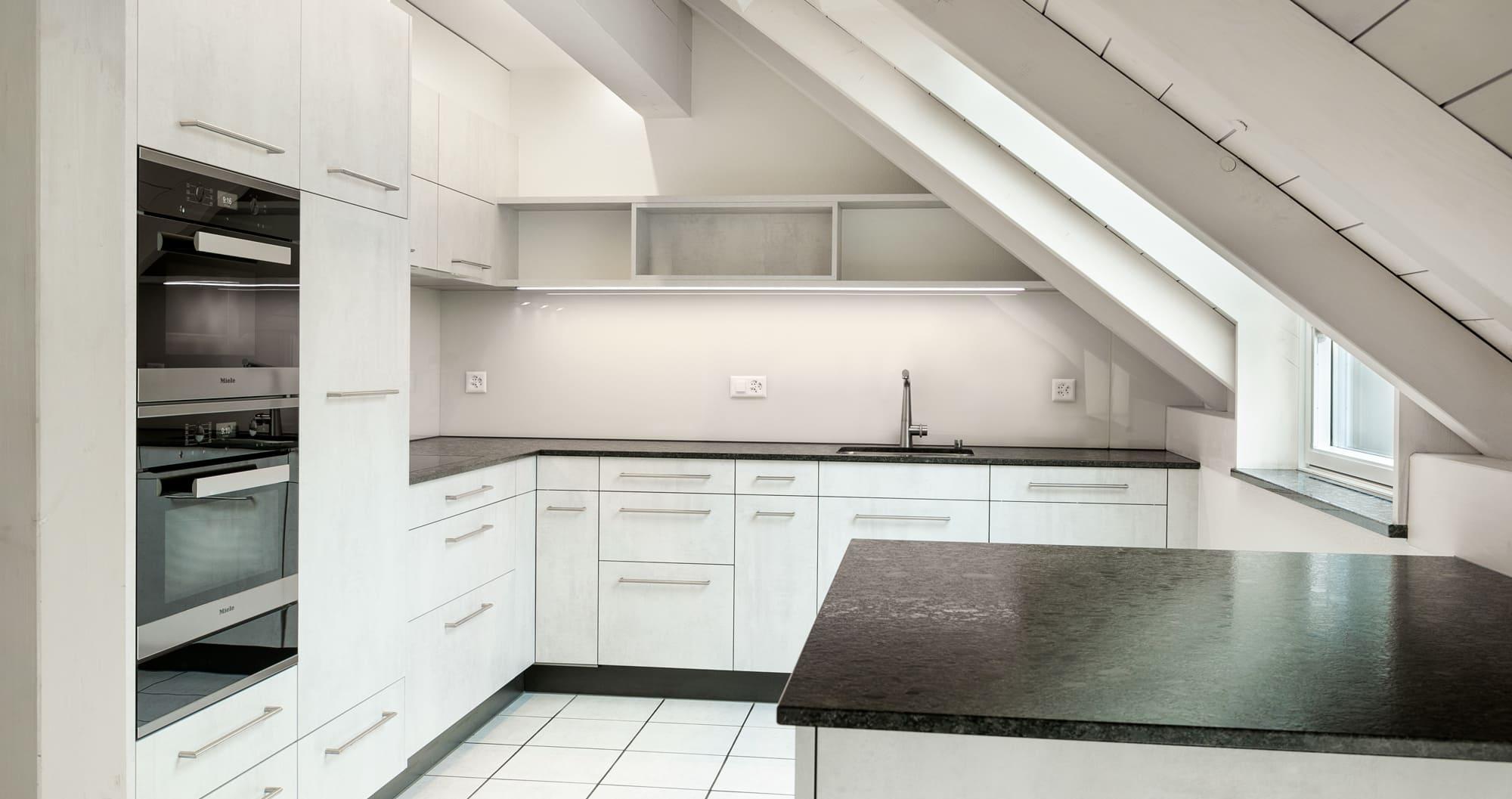 Neue Küche schwarz weiss Gyger Küchen GmbH