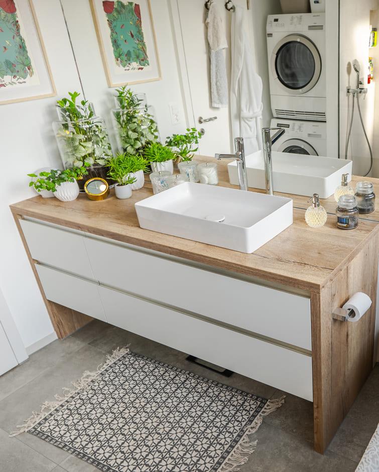 Badezimmer Unterschrank Holz weiss Gyger Küchen GmbH