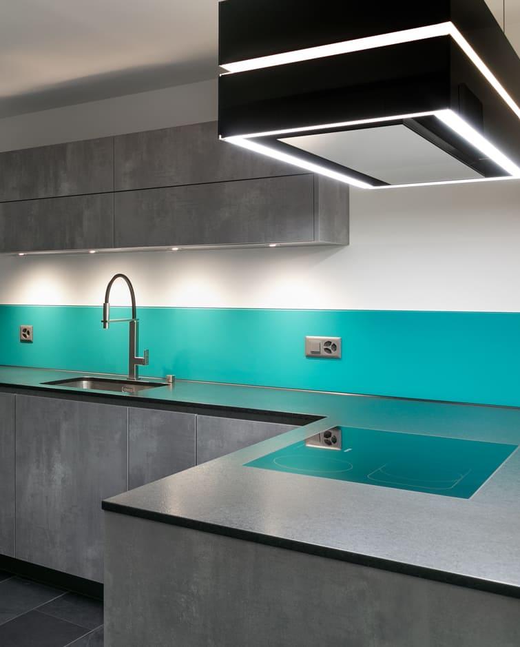 Moderne Küche Seitenansicht Gyger Küchen GmbH