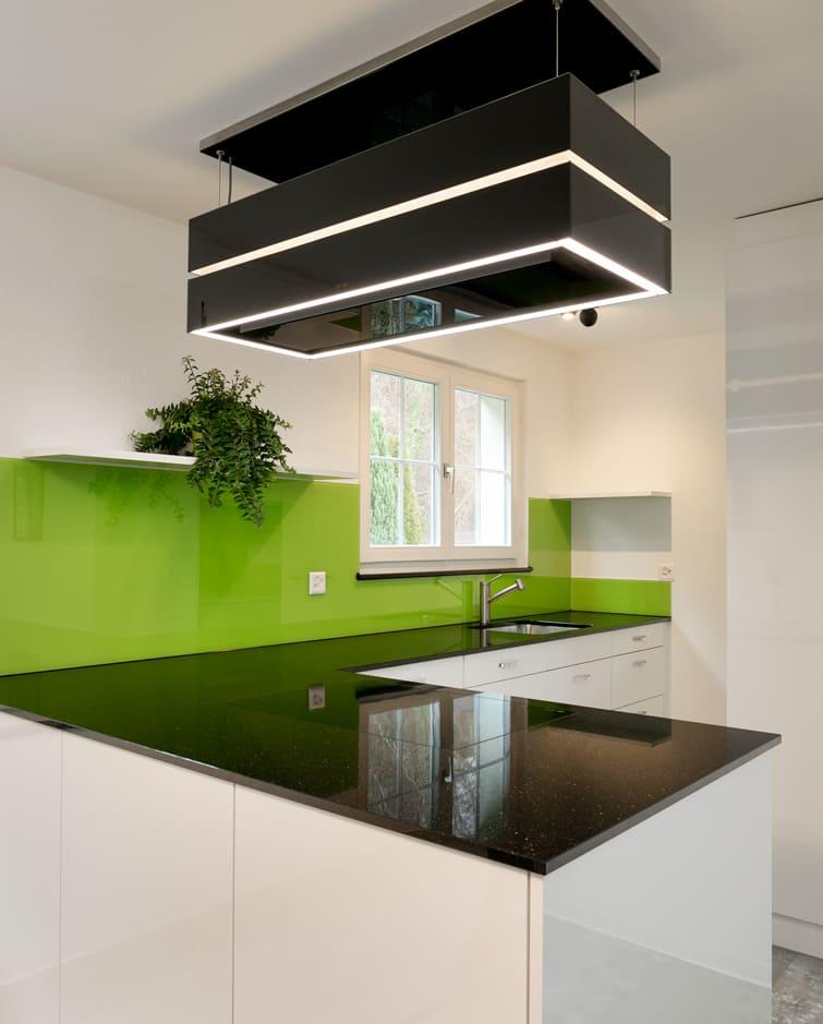 Neue Küche in grün Gyger Küchen GmbH